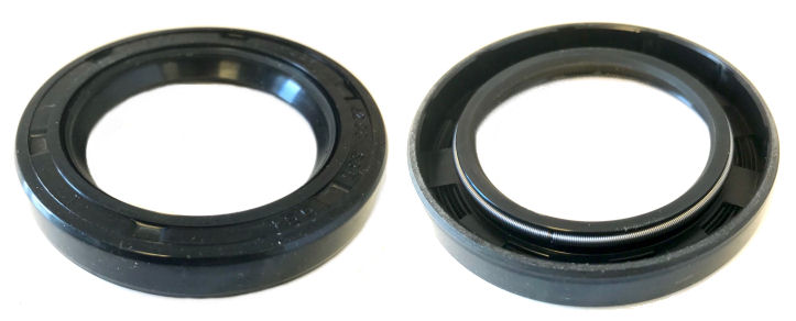 350 225 37 R21/SC Single Lip Nitrile Rotary Shaft Oil Seal with Garter Spring 2.1/4x3.1/2x3/8 Inch image 2